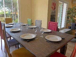 4 bedroom Villa in Bormes les Mimosas, Cote d'Azur, France : ref 2024926 - Bormes-Les-Mimosas vacation rentals