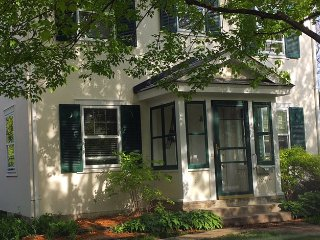 Paris in The Park *3 bedroom, 2 bath* Close to everything!! - Saint Louis Park vacation rentals