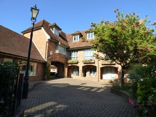 Luxury duplex apartment in Lymington with parking - Lymington vacation rentals