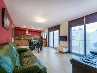 4 bedroom Apartment in Palamos, Costa Brava, Spain : ref 2396373 - Palamos vacation rentals