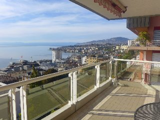 2 bedroom Apartment in Montreux, Lake Geneva Region, Switzerland : ref 2396270 - Montreux vacation rentals