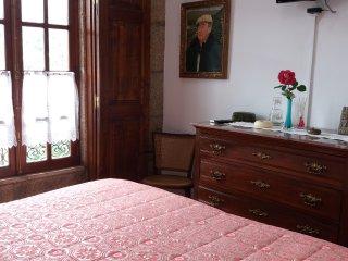 Casa da Obra, Alojamento Local.Prima pelo ambiente acolhedor ,humanizado,natural - Resende vacation rentals