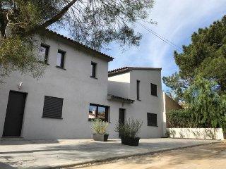 3 bedroom Villa in Porto Vecchio, Corsica, France : ref 2395796 - Lecci vacation rentals