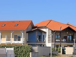 4 bedroom Villa in Biscarosse, Les Landes, France : ref 2395750 - Biscarrosse vacation rentals