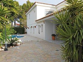 4 bedroom Villa in L Ametlla de Mar, Costa Daurada, Spain : ref 2395363 - Calafat vacation rentals