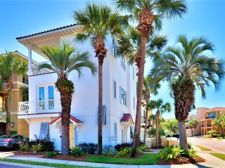 At Last: NEWLY RENOVATED! Near Beach & Community Pool! - Destin vacation rentals