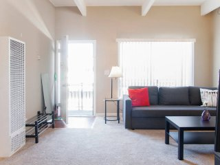 Clean & Cozy 1BR/1BR Business & Nurse Ready - Palo Alto vacation rentals