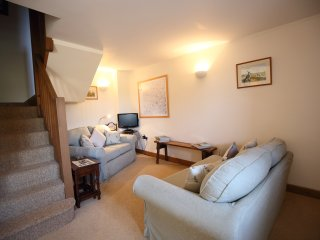 Comfortable Barn with Internet Access and Television - Leafield vacation rentals