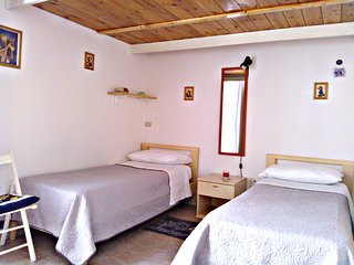 Bright 1 bedroom Apartment in Fuorigrotta with Balcony - Fuorigrotta vacation rentals