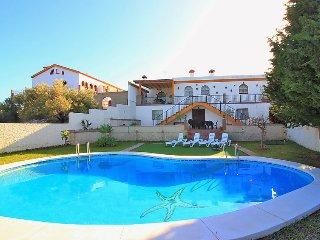 4 bedroom Villa in Rincon de la Victoria, Costa del Sol, Spain : ref 2284273 - Rincon de la Victoria vacation rentals