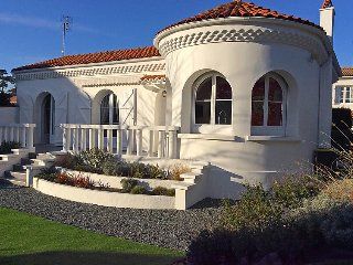 2 bedroom Villa in Saint Palais sur mer, Poitou Charentes, France : ref 2283186 - Saint-Palais-sur-Mer vacation rentals