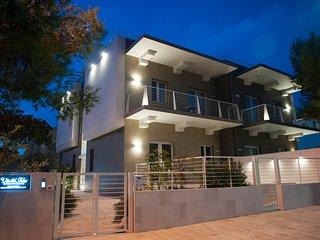 MODERNO Appartamento Comfort VIA DEL FARO Apartments - Torre Canne vacation rentals