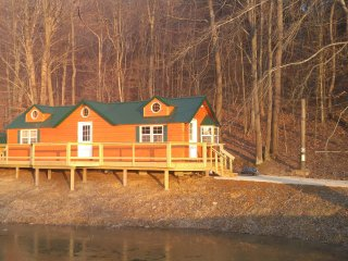 Nice Cabin with A/C and Satellite Or Cable TV - Sugar Grove vacation rentals