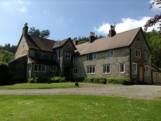 Secluded farmhouse surrounded by fields and woodland with heated pool - Hawkchurch vacation rentals