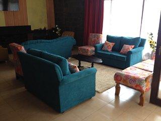 Bright 5 bedroom Guest house in Nairobi - Nairobi vacation rentals