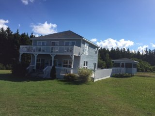 Beach House next to PEI National Park, Amazing Beaches! Kayaks Included! - Mount Stewart vacation rentals