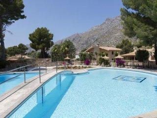 6 bedroom Villa in Cala Sant Vicente, Mallorca, Mallorca : ref 2367657 - Sant Vicent de sa Cala vacation rentals