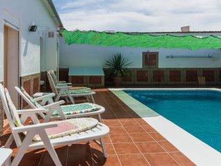 2 bedroom Cottage with Internet Access in Fuente de Piedra - Fuente de Piedra vacation rentals