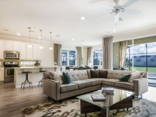 Luxury 5 bedroom suites just 10 minutes from Disne - Kissimmee vacation rentals