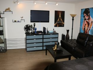 Great spot in amazing West hollywood Location - West Hollywood vacation rentals