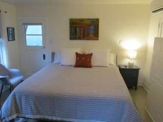 '1900' Guest House ~ Downtown Ashland ~ Near Oregon Shakespeare Festival! - Ashland vacation rentals