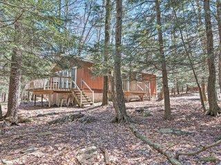 NEW! Waterfront 3BR Pocono Lake House in Arrowhead Lakes! - Pocono Lake vacation rentals