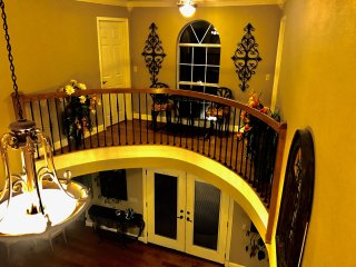 Sam's Mansion 3-Bedroom Suite $395 - Bentonville vacation rentals