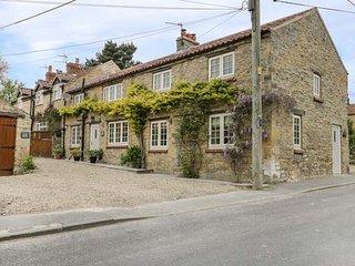 TILLERS COTTAGE, four bedroom, en-suite, wood-burning stove, open beams, near - Ebberston vacation rentals