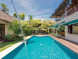 Luxury, secure 3 bedroom close to Oberoi and beach - Seminyak vacation rentals