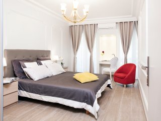 OPERA - LAFAYETTE / 4Br - 4 Ba / 130sqm / elevator / - Paris vacation rentals