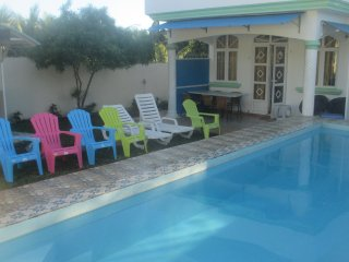Comfortable 4 bedroom House in Grand Baie with Internet Access - Grand Baie vacation rentals