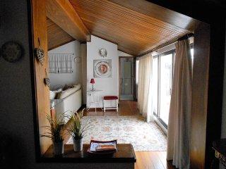 Cozy 2 bedroom Aveiro Condo with Balcony - Aveiro vacation rentals