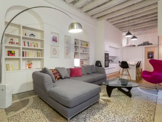 Royal Pop - Location T4 - Lyon 1 - Caluire et Cuire vacation rentals