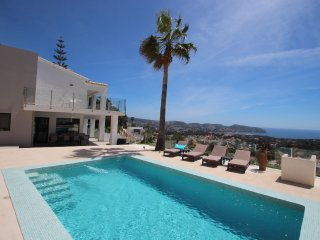 Amigos - holiday home with private swimming pool in Moraira - La Llobella vacation rentals