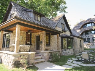 Nice 4 bedroom Cottage in Charlevoix - Charlevoix vacation rentals