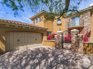 Beautiful And Spacious 3,000-sqft Home Available At Discounted Summer Rates! - Phoenix vacation rentals
