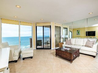 Oceanfront condo at Del Mar Shores Terrace - Solana Beach vacation rentals
