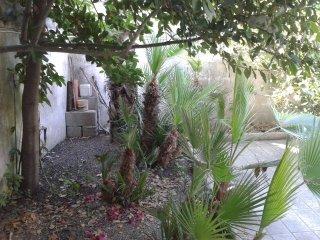 Salento, San Foca, bilocale con giardino sul mare - San Foca vacation rentals