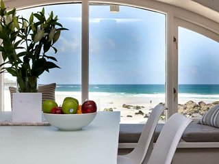 Beach apartment with parking situated on Porthmeor beach - Carbis Bay vacation rentals