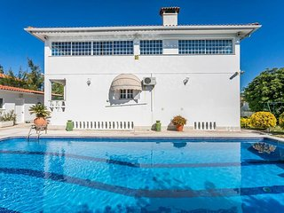 Link Red Villa, Aroeira, Setubal - Corroios vacation rentals