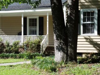 Shandon Neighborhood Cottage - Close to USC & Williams-Brice Stadium! - Columbia vacation rentals