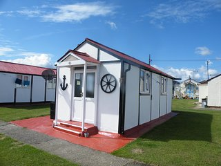 Holiday  Chalet  Leysdown, Isle of Sheppey  Kent. ME12 4QT - Leysdown-on-Sea vacation rentals