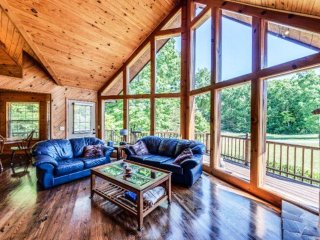 Scenic & Spacious 3 bedroom, 2 bath  Cabin 2 miles from Fall Creek Falls  Park - Spencer vacation rentals