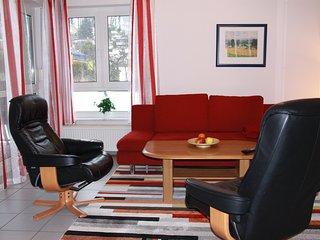3-Zi-Ferienwohnung, 2 Schlafzimmer, ruhige u. zentrale Lage, Balkon - Ostseebad Binz vacation rentals