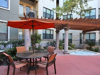 WALK TO IT ALL! Large 2/2 with Full Amenities!  3RG2AZH - Austin vacation rentals