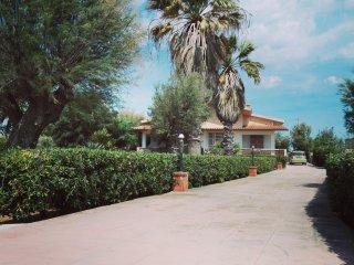 3 bedroom House with Parking in Petrosino - Petrosino vacation rentals