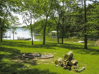 Upscale 3BR on Old Hickory Lake w/ Private Dock & Hot Tub, Close to Nashville - Hendersonville vacation rentals