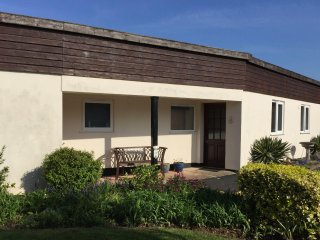 Beech Bungalow, Blue Anchor - Accessible bungalow with stunning sea views - Old Cleeve vacation rentals