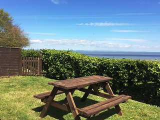 Elm Bungalow, Blue Anchor - Level access bungalow with stunning sea views - Old Cleeve vacation rentals