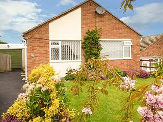 WENLOCK VIEW, electric featured fire, patio doors, Ref 944805 - Much Wenlock vacation rentals